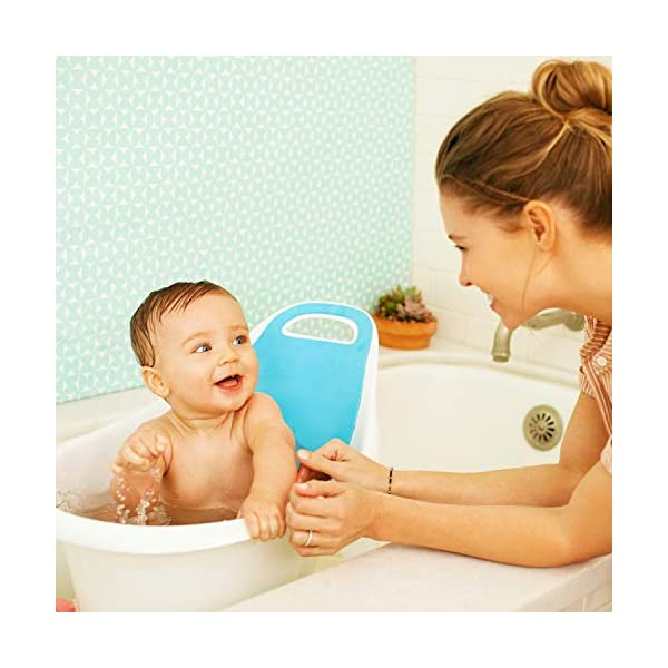 Munchkin Sit and Soak Baby Bath Tub with Built-in Support Bump and Padded Foam Back Rest, Bonus Pull-Tab Drain and Storage Hook, 0-12 Months, White 3