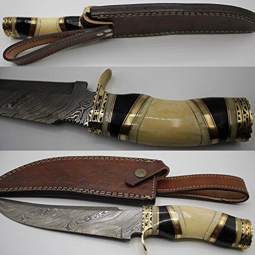 Damasco coltello da caccia con fodero in pelle forgiata a mano