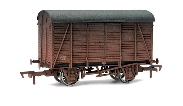 0d8e9d890f Dapol 4F-021-004 Box Van LMS 611421 Weathered  Amazon.co.uk  Toys   Games