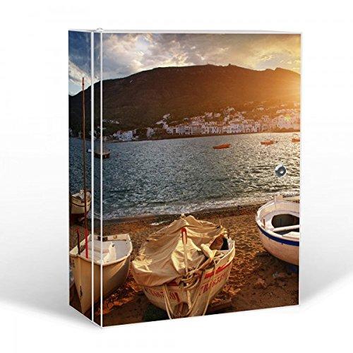 banjado Medizinschrank groß abschließbar | Arzneischrank 35x46x15cm | Medikamentenschrank aus Metall weiß mit Motiv Fischerboote (Weißes Fischerboot)