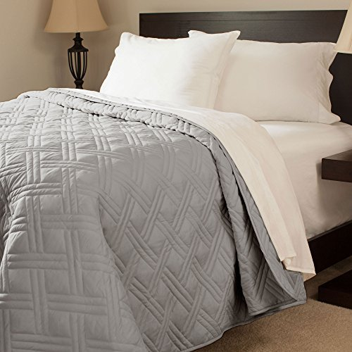 Bedford Home Solid Color Bed Quilt, Twin, Silver by Bedford Home (Quilt Bedford)