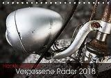 Vergessene Räder 2018 (Tischkalender 2018 DIN A5 quer): Alte Fahrräder und Fahrradteile - marode Ästhetik am Wegesrand (Monatskalender, 14 Seiten ) ... [Kalender] [Apr 01, 2017] Zakkinen, Henkki