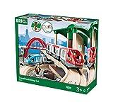 BRIO World 33512 Großes BRIO Bahn Reisezug Set - Eisenbahn mit Bahnhof, Schienen und Figuren - Kleinkinderspielzeug empfohlen ab 3 Jahren