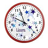 Wanduhr mit Wunsch - Namen für Kinderzimmer ; einzigartige Kinderuhr ; Rahmen rot ; Kinder Wanduhr ohne ticken mit oder ohne Namen auf Wunsch personalisiert ; Uhr - Motiv Sterne blau Junge