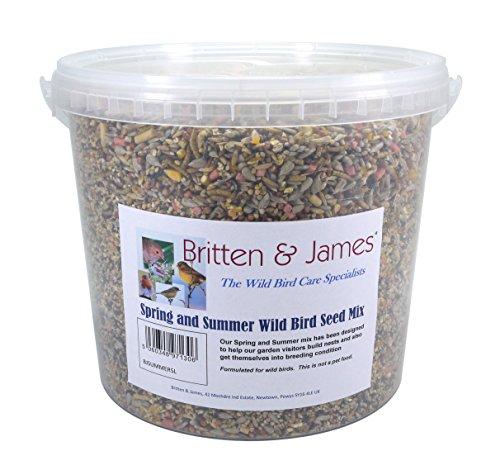 Britten & James Le mélange de graines pour Oiseaux Sauvages Essential Printemps et Été dans Une cuve refermable de 5 litres. Les Oiseaux Sauvages Font Face à des défis particuliers au Printemps