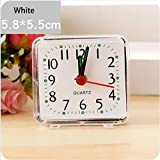 Xshuai mignon Portable carré Petit lit Voyage Compact non tic-tac à quartz BIP Alarme Horloge avec éclairage de nuit-à piles, blanc, Size: 5.8x5.5cm