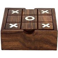 Solitario y tic tac toe dos en un juego ambientado juguetes de madera de la India