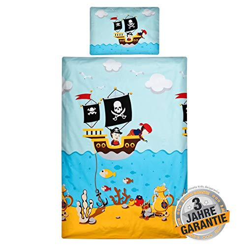 Baby Kostüm Kuschelige Elefanten - Aminata Kids - Baby-Bettwäsche-Set Pirat - 100-x-135-cm - Jungen, Mädchen - Totenkopf-Flagge - hell-blau, bunt - Piraten-Bettwäsche Baumwolle - mit Marken-Reißverschluss & Öko-Tex
