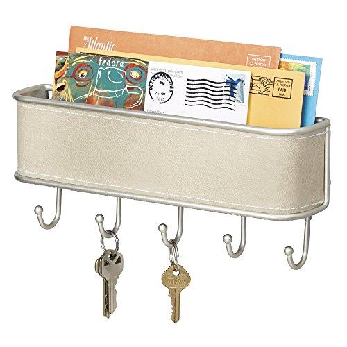 mDesign Schlüsselbrett mit Ablage - vielseitiges Schlüsselboard in taupe und gebürstetem Metall mit Akzenten aus Kunstleder - mit Briefablage für Post oder auch Handys