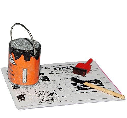 1 Set _ Malerzeug auf Zeitungspapier mit Farbeimer & Pinsel - Miniatur für Puppenstube Maßstab 1:12 - Puppenhaus Puppenhausmöbel - Wohnzimmer - Wohnung Streichen Renovieren / vorrichten - Hausbau Umzug Renovierung (Miniatur-hausbau)