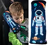 HECKBO Weltraum Space Astronaut Auto Schlafkissen für Kinder - maschinenwaschbar - kuschelweich - hochwertiges Auto Gurtkissen Gurtschoner Gurtkissen Gurtschutz Auto Kissen, Reisekissen - 30cm x 12cm