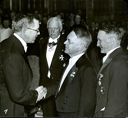 vintage-photo-of-vegan-day-grand-hotel-crown-prince-and-professors-hans-wson-ahlmann-with-several