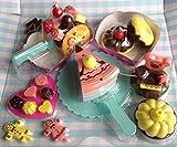 Home and Kitchen Spiel Geburtstagstorte Schokoladenkuchen Donut Pralinen für die Kinderküche / Spielküche 18 teilig mit Früchten (Donut Kuchenset)