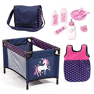 Bayer Design- Juego, Accesorios para muñecos bebé, 11 en 1, Kit Cuna de viaj, Saco de Dormir, Bolsa Bandolera y Productos de Cuidado, Color Azul Rosa con Unicornio (61754AC)