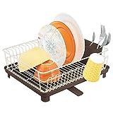 mDesign Scolapiatti da appoggio composto da 3 parti - Scola piatti in metallo con cestino estraibile e vaschetta raccogligocce in plastica - Tappetino lavello cucina - crema/marrone scuro