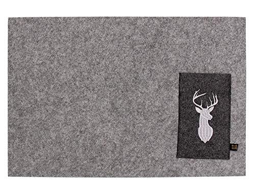 Luxflair Magnifique ensemble de 4 sets de table en feutre gris avec sac à couverts brodés motif cerf, lavable. Set de table design carré pour l'intérieur et l'extérieur