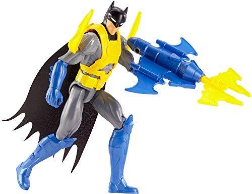 Mattel DWM65 - DC Justice League Deluxe Bat-Flügel Batman mit Zubehör, Aktionsspielzeug, 30 cm