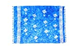 ManuMar Damen Sarong | Pareo Strandtuch | Leichtes Wickeltuch in blau mit Hibiscus-Motiv mit Fransen-Quasten 115x155 cm