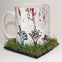 Zombies Rising From The Grave taza con Posavasos de hierba
