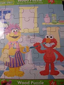Sesame Street Wooden Puzzle (25 Pieces) ~ Elmo Brushing His Teeth by Sesame Street