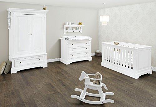 Pinolino Kinderzimmer Emilia breit, 3-teilig, Kinderbett (140 x 70 cm), breite Wickelkommode mit Wickelaufsatz und Kleiderschrank, weiß Edelmatt (Art.-Nr. 10 34 67 B) -