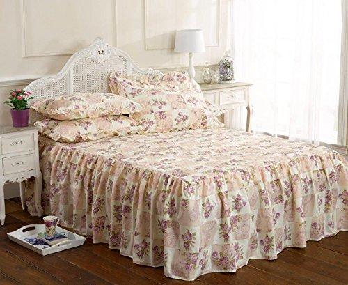 Vintage traditional Luxuriöse summer king size Bett gesteppt set ausgestattet mit Rüschen Tagesdecke alston cremefarben, Violett floral Rosen-Motiv