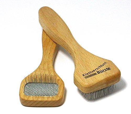 Klettverschluss Reinigungsbürste - mit der Bürste können Sie Klettverschlüße einfach reinigen, Haushaltsbürste entfernt alle Fusseln und Schmutz mit Hilfe von Drahtzinken, Maße ca. 15 cm, Made in Germany - Einfach Klettverschluss