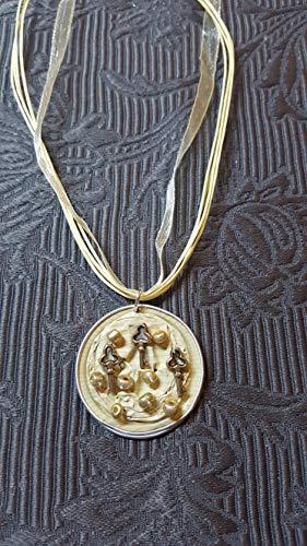 Anhänger aus Nespresso®Kapseln Creme mit Schlüsseln und Perlen, Halskette