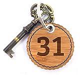 Mr. & Mrs. Panda Rundwelle Schlüsselanhänger Zahl 31 - 100% handmade aus Bambus - Alphabet, Zeichen, Zahlen, Buchstaben, Buchstaben, Hotelzimmer, Zimmer, Hotel Schlüsselanhänger Anhänger Zahl 31 Hotelzimmer Hotel Gästezimmer Pension