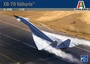 Italeri 1282S XB-70 Valkyrie - Caza a escala importado de Alemania