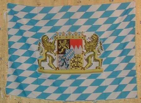 flag-90-cm-x-150-cm-features-bavaria-with-bavarian-lion-crest-bayernflagge