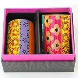 Ein Porzellan Teelichthalter -Set (2) gänzlich handbemalt in Zarina-Original Design. Verpackt in einem Samtbeutel und Geschenkkarton.