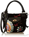 Desigual Bols Mcbee Mini Candy NegroDati:o Materiale: Outdoor 100% poliuretano, interno 100% poliestereo Dimensioni: Larghezza 30 cm, altezza 23 cm, profondità 10 cmo Colore: Negro (nero)o Fabbricante: Desigual