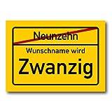 Herz & Heim® Riesiges PVC Ortsschild Zum 20. Geburtstag mit Wunschname 70cm x 50cm