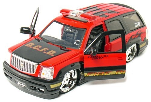 2002-cadillac-escalade-fire-dept-battallion-chief-1-24-scale-8-by-jada