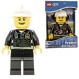 Réveil figurine lumineux Pompier de LEGO City pour enfant | noir/blanc | plastique | hauteur de 24cm | écran LCD | garçon/fille | produit officiel