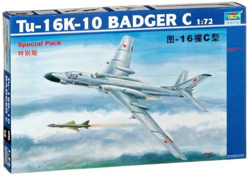Trumpeter 01613 Modellbausatz Tupolev Tu-16K 10 Badger