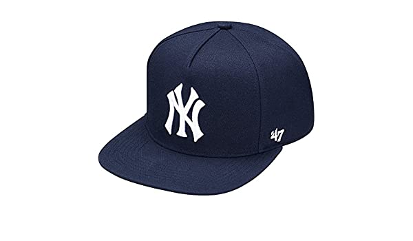 80b43267aa9 Supreme Men s New York Yankees 5-Panel Hat Navy  Amazon.in  Clothing    Accessories
