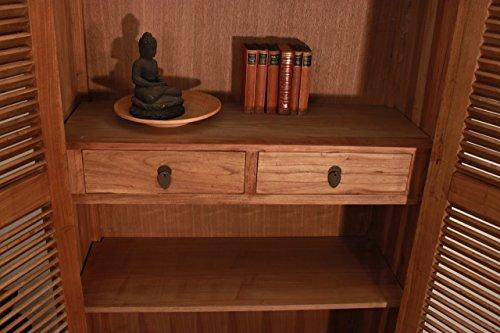 gro er schrank mit lamellent ren aus eichenholz gekalkter eiche smash. Black Bedroom Furniture Sets. Home Design Ideas