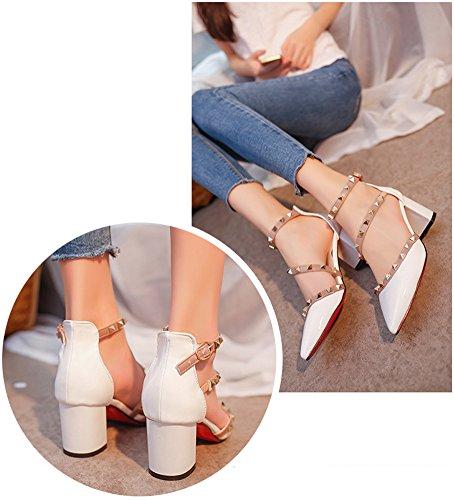 Minetom Tacchi Alti Rotazione Rivetti Sandali Comodi Mary Jane Donna Buckle Rough Tacco Basso Primavera Estate Sexy Scarpe Punta Pompa Bianco