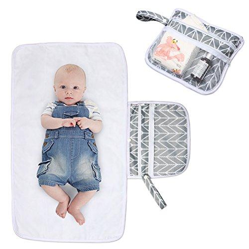 Luxja Wickelunterlage für Unterwegs, Tragbare Wickelunterlage, Windel Matte mit Taschen für Babys und Kleinkinder, Wickelauflage für Haus Reise Unterwegs, Faltbar Waschbar, Grau Pfeile