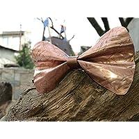 papillon realizzato a mano in metallo. Rame martellato effetto tessuto