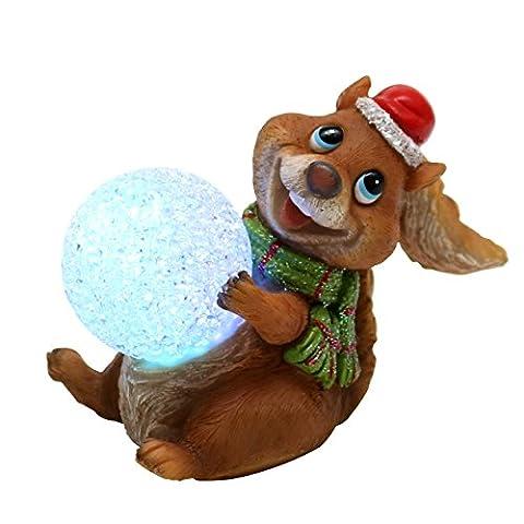 Drolliges Eichhörnchen mit verzaubernder Schneeball LED Kugel, ca. 12,5 cm