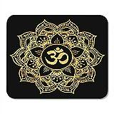 Alfombrillas para ratón Símbolo de oro redondo de la mandala hindú del símbolo de Om...