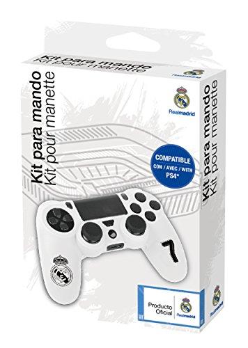 Juega a FIFA 19 con estilo con los estuches de silicona REAL MADRID para mando Playstation 4 Dualshock 4. Personaliza tu mando dualshock 4 para PS4 con los colores de la camiseta de fútbol Real Madrid! No más problemas de transpiración gracias a su r...