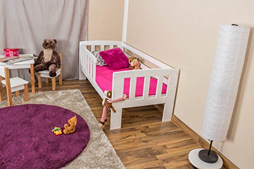 *Kinderbett mit Absturzsicherung Kiefer Vollholz massiv weiß lackiert A17, inkl. Lattenrost – Abmessung 70 x 160 cm*