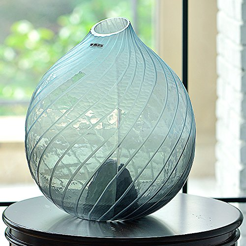 maivas-vase-texture-matte-serge-bleu-ciel-club-salon-bud-grand-verre
