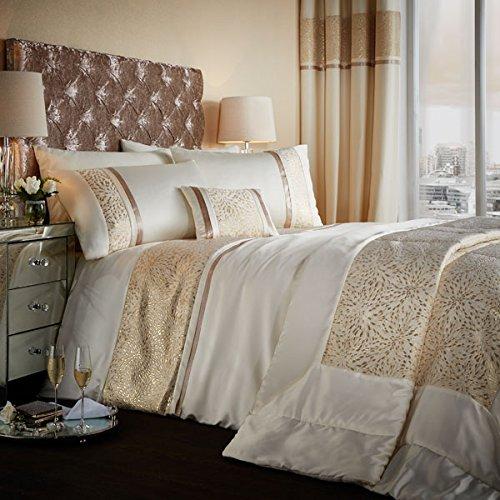 luxor-jacquard-gold-bedspread