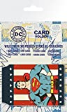 1art1 Set: Superman, Retro Superman, DC Comics Porta Carte Di Credito (10x7 cm) E 1 Sticker Sorpresa