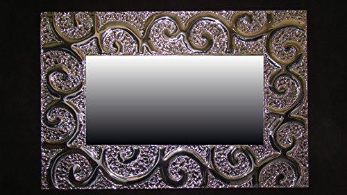 ricciolo-specchiera-cesellata-a-mano-in-alluminio-supporto-in-compensato-marino-repellente-allumidit